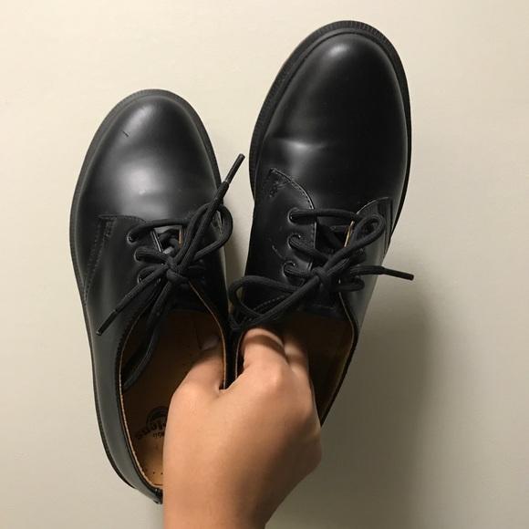 4ff501a534d Dr Martens 1461 Classic Black Flat Shoes